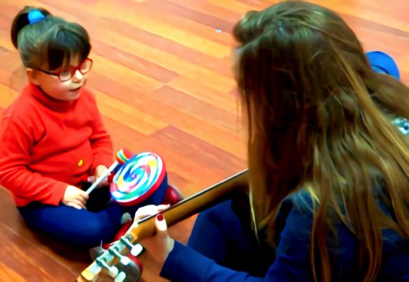 niños con smith en musicoterapia